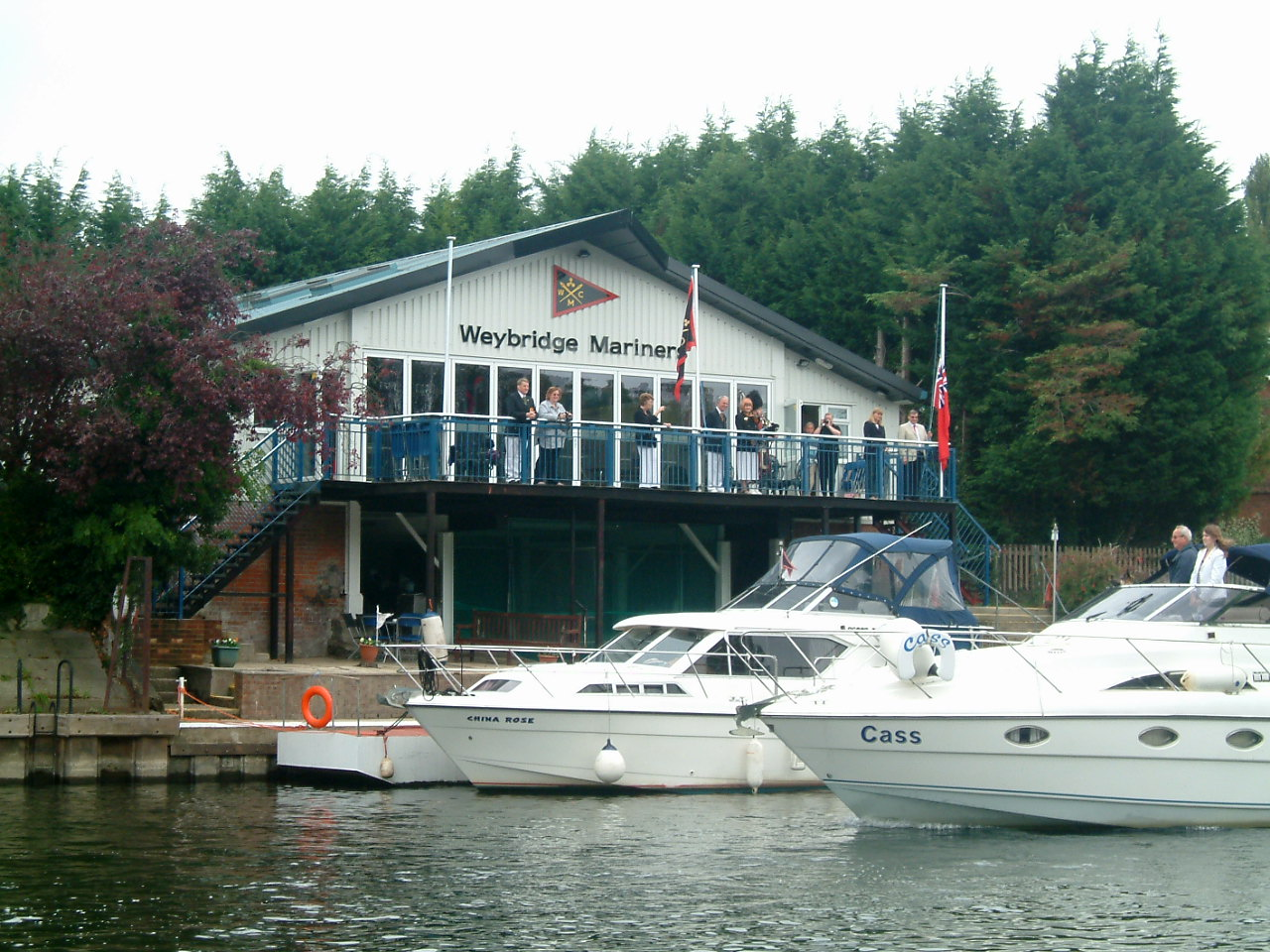 Walk This Wey Pyrford Lock To The Thames | Lobster House